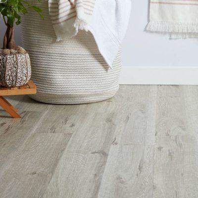 vinyl-flooring-700x700